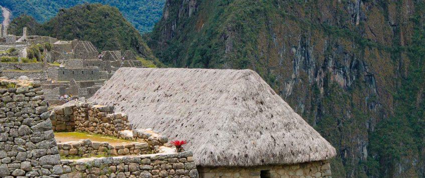 Machu-Picchu-house-Road2peru