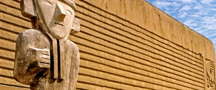 Statue Chan Chan – Peru